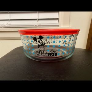Pyrex Mickey Mouse container
